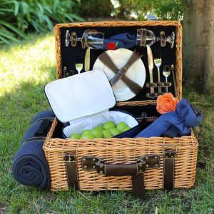 NC Wineries Perfect for Summer Picnicking!